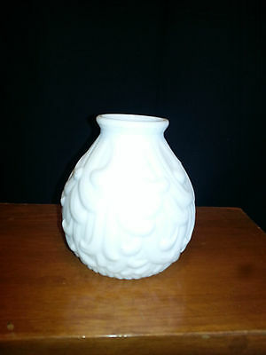 ANTIQUE ornate WHITE glass CEILING / WALL SCONCE LIGHT Shade -AS IS