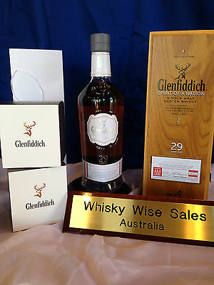"Glenfiddich 29 Year Old ""Spirit of A Nation"" Limited Edition Plus 2 glasses Rare"