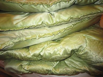 Vintage Feather Embroidered Eiderdown Quilt Throw Double Bed Soft Country Green