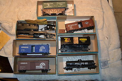 HO Lot  of Rolling Stock Freight Cars Athearn Roundhouse AHM