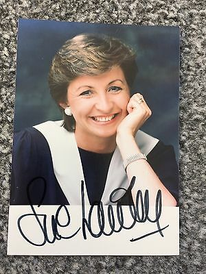 Autograph: Hand signed Photograph by English Broadcaster: Sue Lawley OBE, 1988