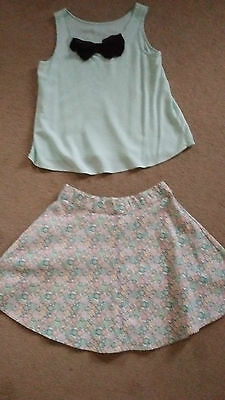 Girls H & M black bow peppermint top & pretty floral skirt set Xmas Age10 11 12