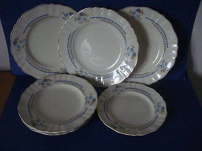 Vintage J & G Meakin - 7 Plates - Dinner, Lunch And Side Plates