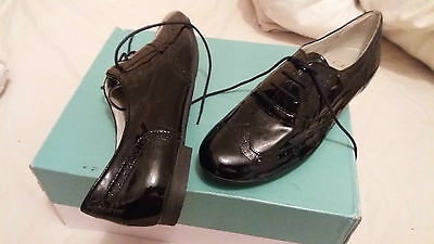 New Clarks Cushion Soft Patent  Leather Flat Shoes Brogues  Size 4 Lace Up