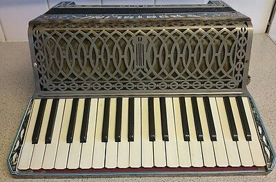 Frontalini Italia Accordion 48 chord  Buttons  piano diamanté decoration RARE