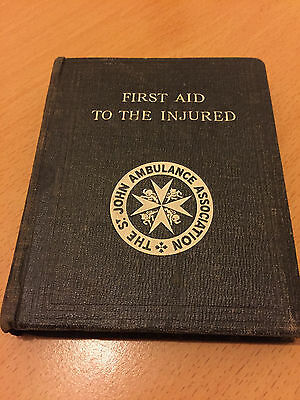 Vintage 1939 The St John Ambulance 'First Aid To The Injured' Book  39th Edition