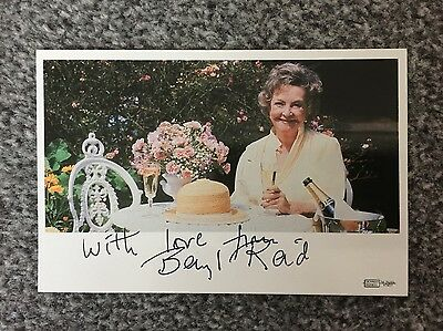 Autograph: Hand Signed Print by the late Beryl Reid from 1988 - Film Actress