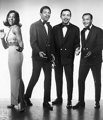 Gladys Knight And The Pips Cool 8X10 Photo