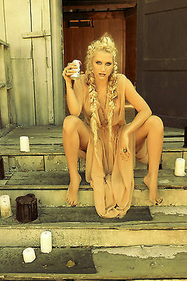Kesha  Really Nice 8X10 Photo