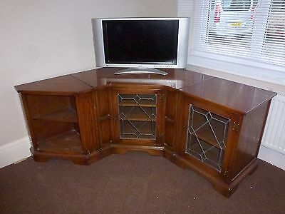 Bevan Funnell Solid Oak 3 piece corner unit TV Cabinet table stand