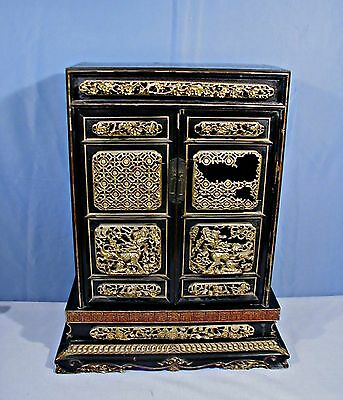Antique Chinese Asian Gilt & Lacquer Wood Carving Shrine Altar Cabinet Dragon