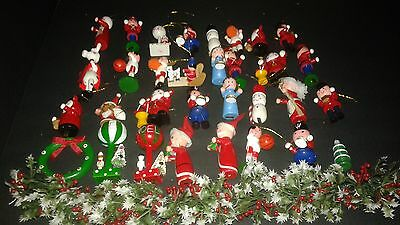Vintage lot of 32 WOODEN CHRISTMAS ORNAMENTS & PLASTIC HOLLY