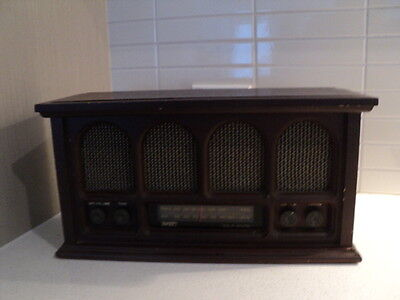 ANTC Solid State wood mantel radio