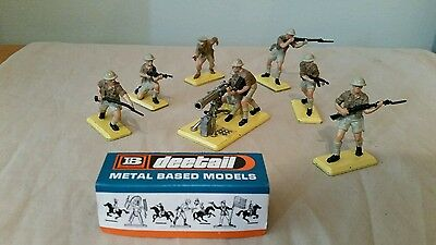Britains Deetail British 8th army Soldiers complete set 6 & Vickers Gun Team