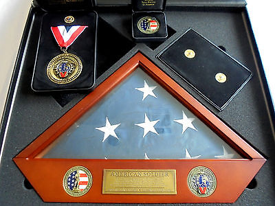 A National Guard Freedom Salute 1st Deployment Set New In Box Flag Medal Pin