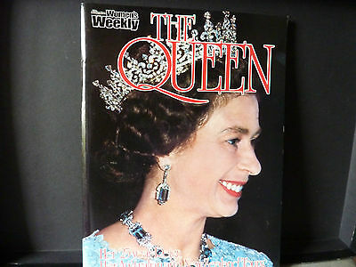 The Queen by the Australian Women's Weekly (Paperback in English)