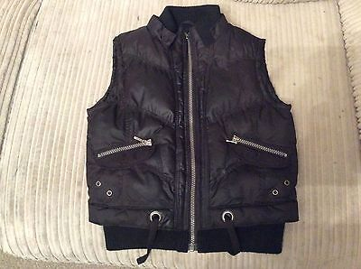 Girls Black Padded Zipped Bodywarmer  In Size 10 To 11 Years