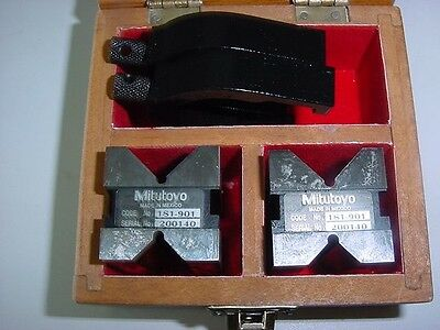 """Mitutoyo 181-901 V-Block Set C/w Two Clamps, 1"""" Capacity."""
