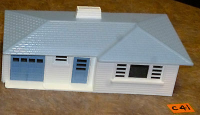 Bachmann Plasticville White And Blue    O-Scale.