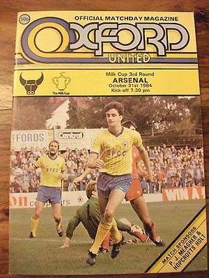Oxford United v Arsenal Milk Cup 3rd Round Match Programme Played 31-10-1984