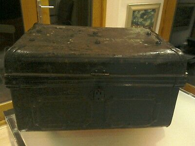 Antique Victorian Vintage Metal Steamer Trunk Toy Box Chest Coffee Table Storage