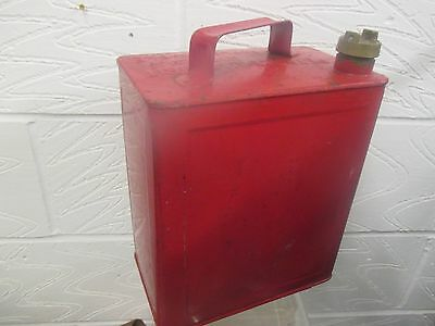 Vintage red petrol can Valor 4 J with Brass Cap good original condition