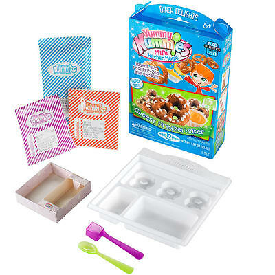 Yummy Nummies Diner Delights Cheesy Pretzel Maker Playset