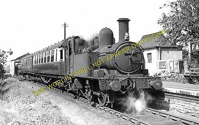 Fairford Railway Station Photo. Lechlade, Witney and Oxford Line. GWR. (3)