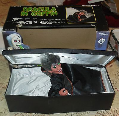 dracula in coffin animated toy 1990 in box funny toys prop horror halloween