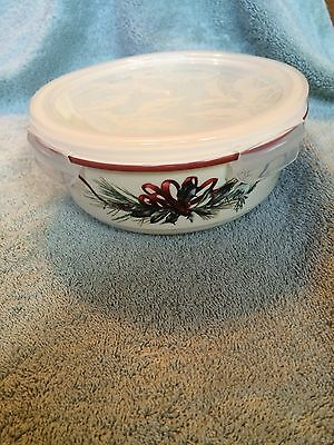 "Lenox ""Winter Greetings"" Serve and Store Bowl with Locking Lid"