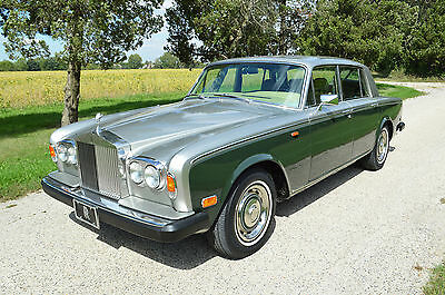 1979 Rolls-Royce Silver Shadow - II pecial warranty offer! Rare & elegant colour combination in gorgeous condition.