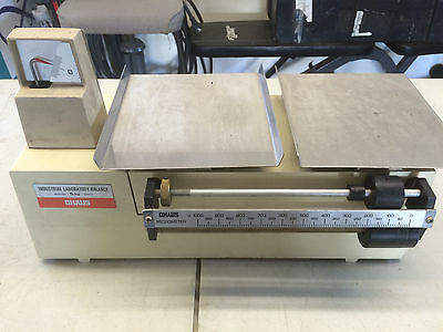 Vintage Ohaus Industrial Laboratory Balance Scale Model 1900 5 Kg Includes Case!