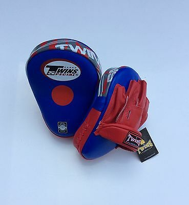 * December Sale *Twins Special Blue Pml-10 Deluxe Curved Focus Mitts.