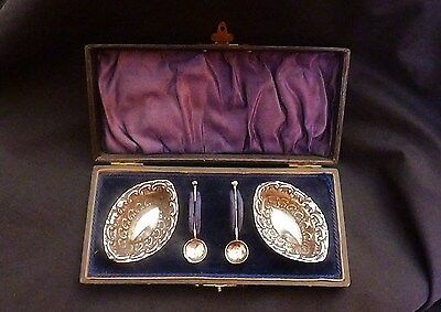 Pair of Ornate English Silver Salts & Spoons Hallmarked Birmingham 1899 in Case