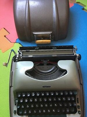 Vintage Imperial Good Companion No.5 Typewriter+Metal Shell Case Retro 1950's