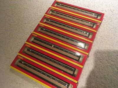 Hornby R2702 Intercity HST (Super Detail) Plus 7 Coaches