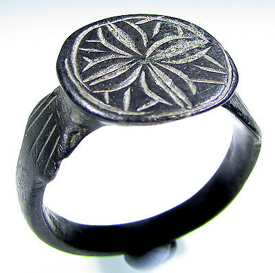 Superb Medieval Knight's Era Bronze Ring With Cross Motif - Wearable - 1901