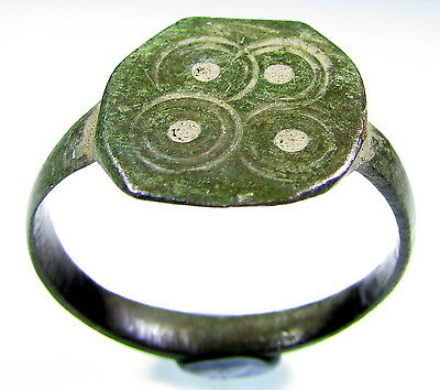 Superb Medieval / Saxon Era Bronze Ring With Evil's Eye Motif - Wearable - 1904