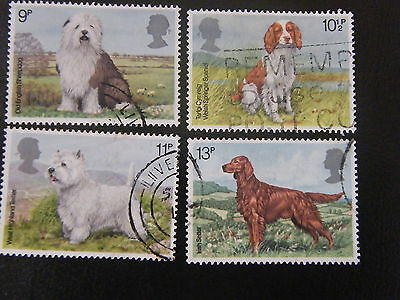 1979 - Dogs - used set