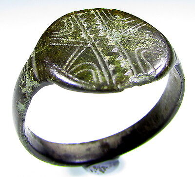 Stunning Ancient Roman Bronze Legionary Ring With Decorated Bezel - 1905
