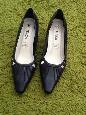 Ladies Smart navy shoes NEW size 4