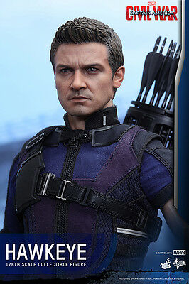 Hot Toys Mms358 Captain America Civil War 1/6Th Scale Hawkeye Collectible Figure