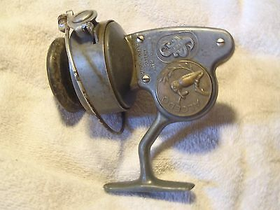 Great Vintage Alcedo 2C/S Spinning Reel made in Italy w/ Spool
