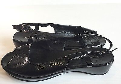 DJANGO & JULIETTE sandals. Black crinkle patent leather peeptoe slingbacks.  39