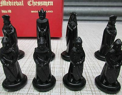 Vintage Qualities Medieval Chess Set By 'crescent' No 18 Original Box Complete