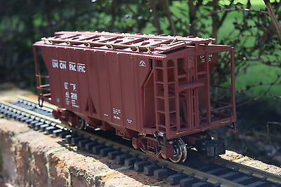 Aristocraft Trains 41208 2 Bay Union Pacific Covered Hopper- G Gauge Wagon
