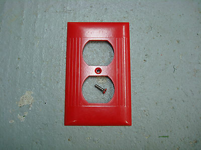Vintage Uniline Ribbed Red Sierra Outlet Cover Plate Wall Plate D-8