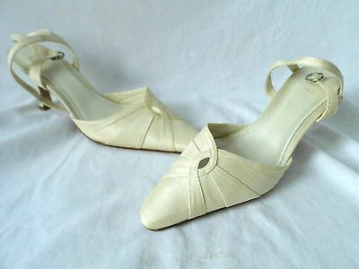"""Ladies Shoes Wedding Shoes Mother Of The Bride Size 5 Ivory 2"""" Heel"""