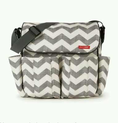 Skip Hop - Dash Messenger Diaper Nappy Baby Changing Bag - Chevron - New