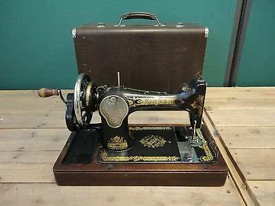 Singer Sewing Machine Hand Crank with Case Antique